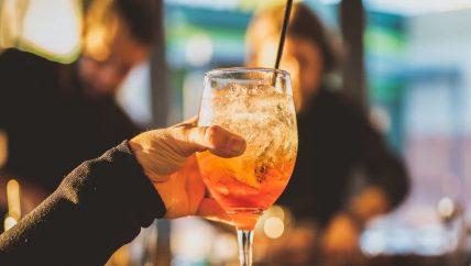 hire a bartender Noosa